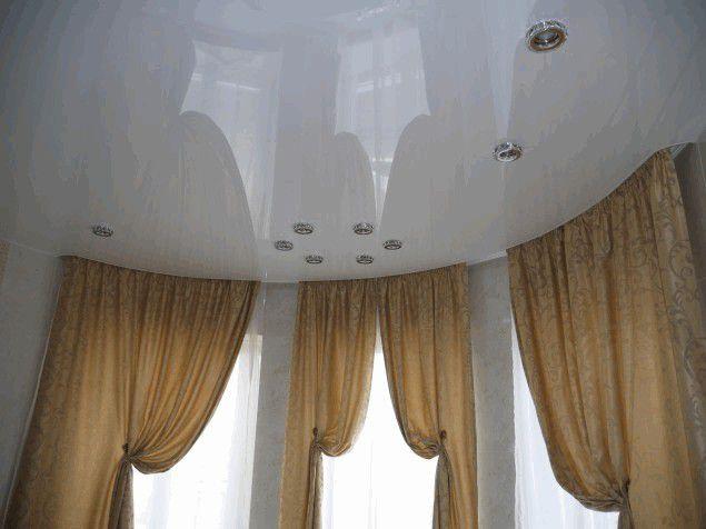 Современная практичность: шторки для ванной стеклянные раздвижные