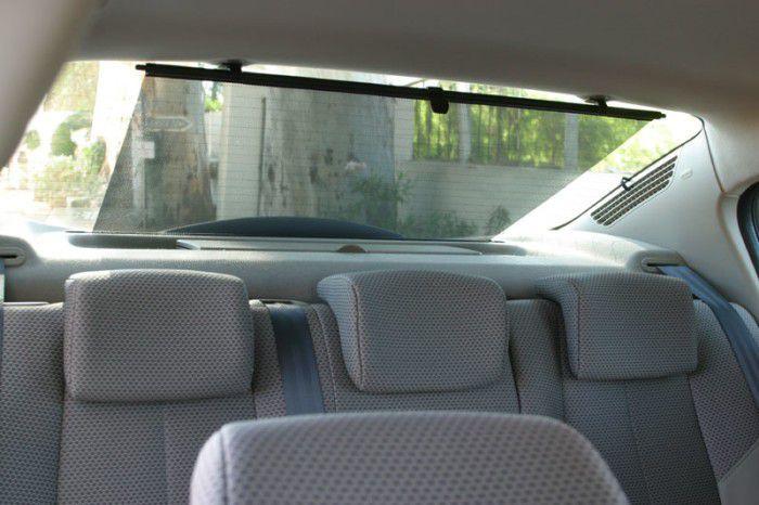 Шторки автомобильные: особенности выбора и монтажа на заднее стекло