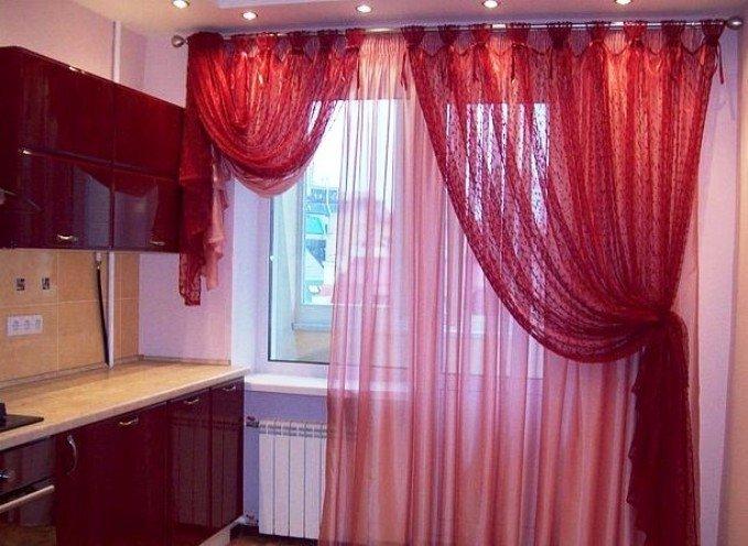 Выбор тюля на кухню: короткие и длинные занавески